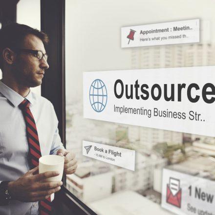 Na co zwrócić uwagę, wdrażając outsourcing?