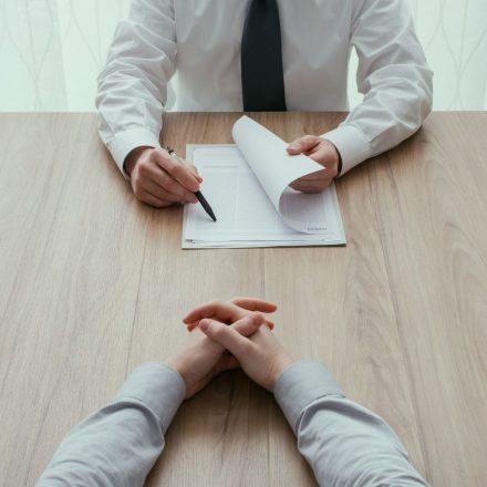Na czym oszczędzasz, zlecając rekrutację na zewnątrz?